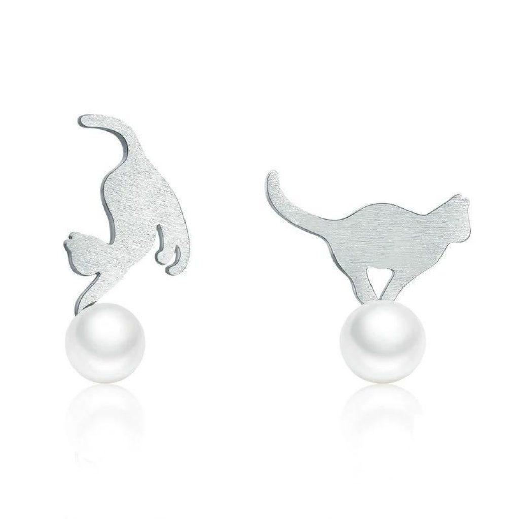 Boucles d'oreilles chat en Argent chatons jouant avec une perle