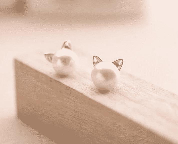 Boucle d'oreilles chat La Belle Perle 3
