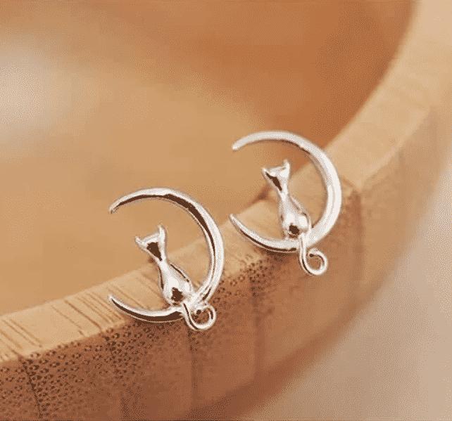 Boucle d'oreilles chat argent les moustaches dans la lune 2
